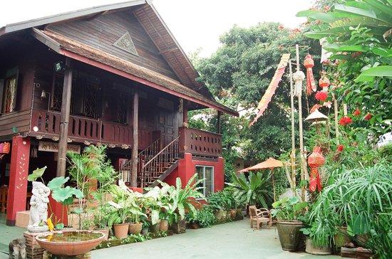 Joy's House: House and Garden
