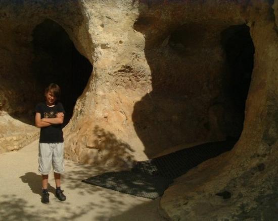 Les Eyzies-de-Tayac, Francia: Entrance to Font de Gomme
