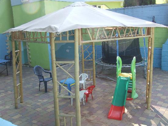Porto Cesareo, Italia: Giochi bimbi+ spazio mini club