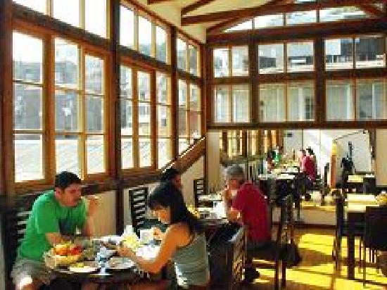Hotel Da Vinci Valparaiso: Desayunando en el hotel