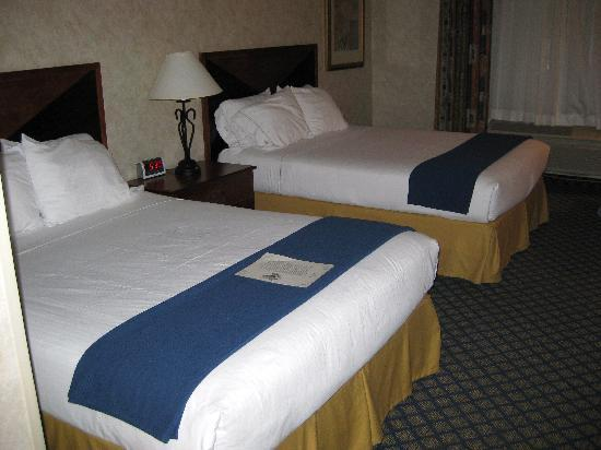 Miles City Hotel & Suites: Two queen-sized beds