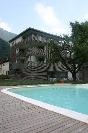 Elda Eco Ambient Hotel: l'hotel e la piscina