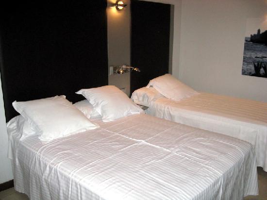 URH Hotel Excelsior : trés jolie chambre spacieuse