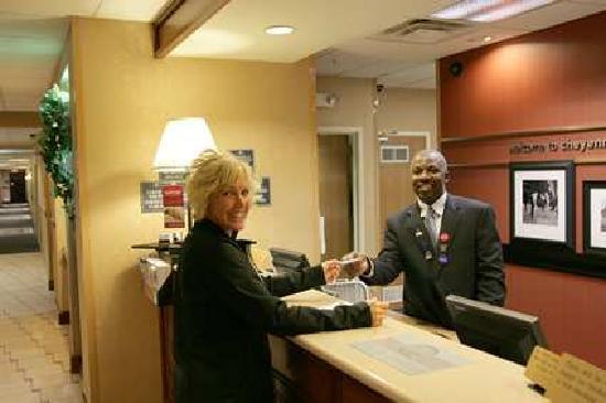 Hampton Inn Cheyenne: Front Desk
