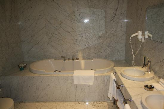 Tomtom Suites: cuarto de baño