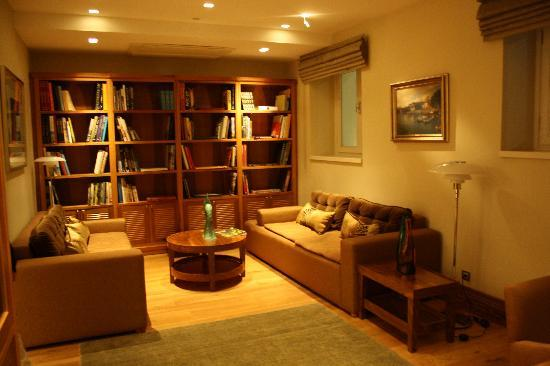 Tomtom Suites: biblioteca/sala de internet