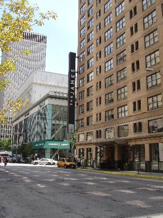 The James Chicago-Magnificent Mile: Front.
