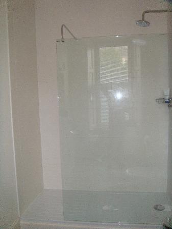 """Millers 64: En suite """"spa"""" shower"""
