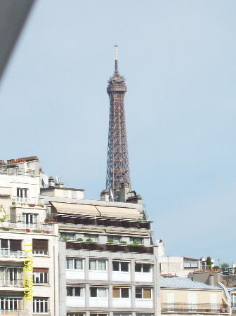 โรงแรมไอเฟลเคนเนดี้: view from our room