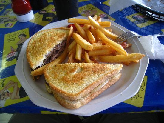"""Copper Cart Restaurant: Their best """"burger"""""""