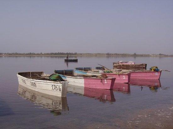 Dakar, Senegal: les barques du lac rose