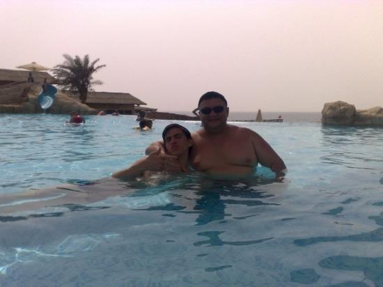 Coral Beach Resort Sharjah: with dad)