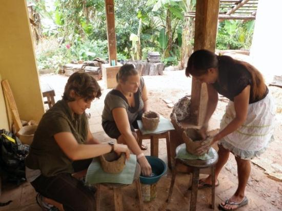 Copan, Honduras: Making our pots