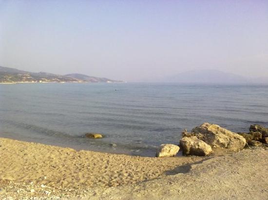Alykes, Grécia: ALYKANA beach KEFALONIA In the distance