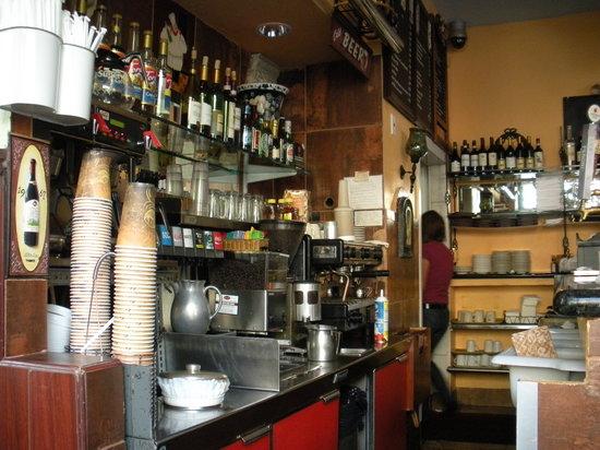 Roxanne Cafe: Restaurant