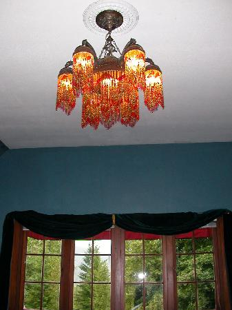 Wedgwood Manor: Syrian Light Fixture