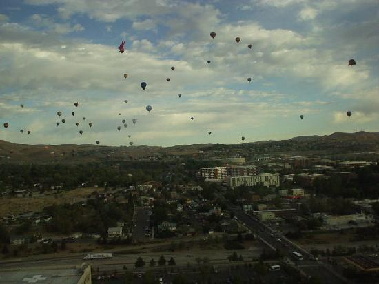 Circus Circus Hotel and Casino-Reno: the balloon races 9/12/09