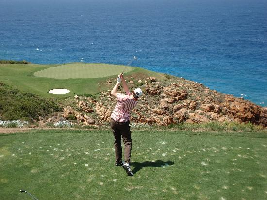 Pinnacle Point Estate: Joost at hole 7 on Pinnacle Point, the best golf course on the Planet!