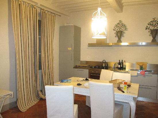 Le Gelosie Bed and Breakfast and Apartments: I Terrazzini - kitchen dining room