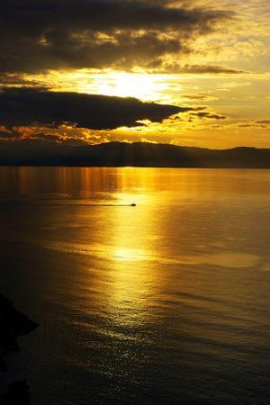 Milazzo, İtalya: Barca al Tramonto