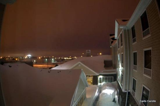 Homewood Suites by Hilton Fargo: Hotel at night
