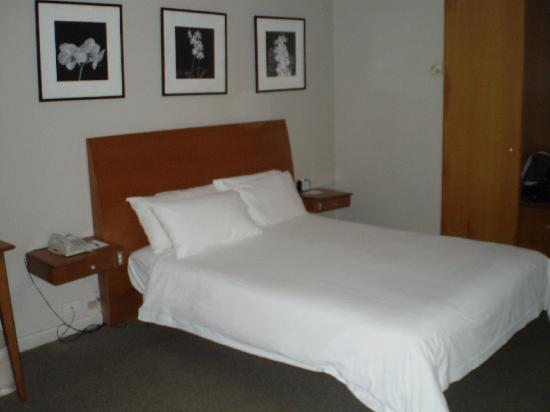 Holiday Inn Suva: Hotel room