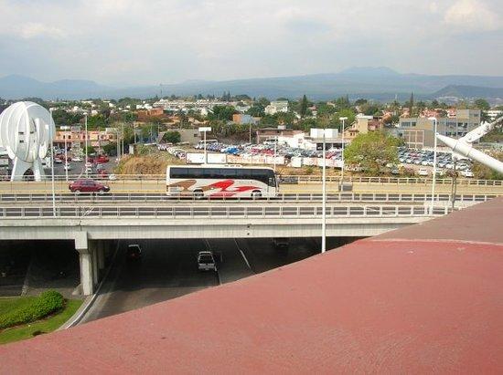 Cuernavaca et un bus Pullman qui fait la liaison Mexico-Cuernavaca.