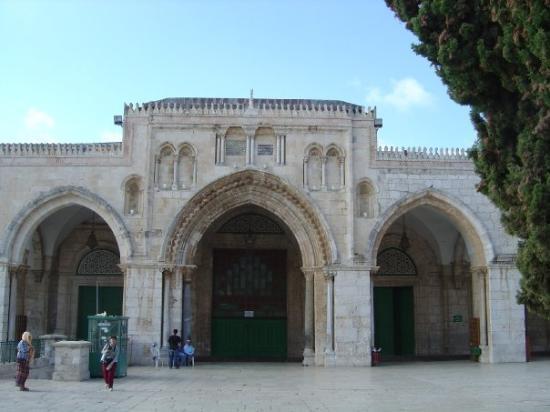 Mezquita de Al-Aqsa: Home and Founding of The Knights Templar