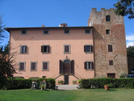 Villa il Pozzo: Photo of Villa - the tower was built in ~950.