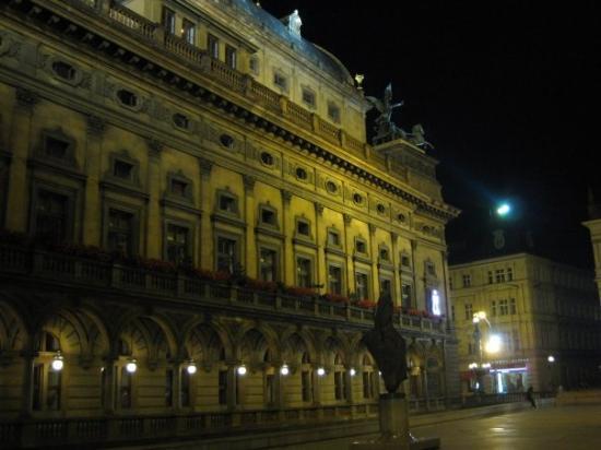 show user reviews national theater prague bohemia