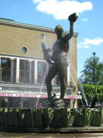 Poseidon Statue By Carl Milles An Often Used Symbol Of Gothenburg Picture Of Gothenburg Vastra Gotaland County Tripadvisor