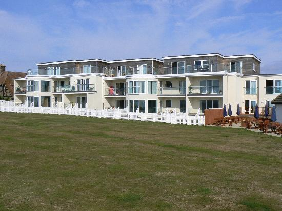 Bexhill-on-Sea, UK: Hotel Annex (Only rooms on far right are part of hotel)