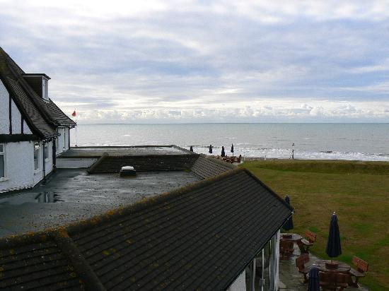 Bexhill-on-Sea, UK: View from bedroom