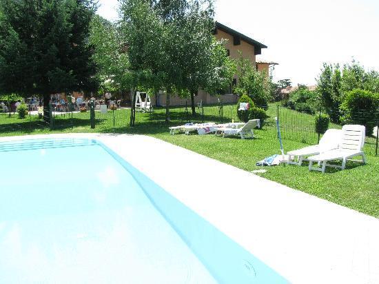 Hotel Colomber: piscina con hotel