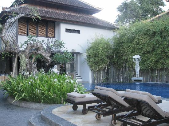 Annora Villas Seminyak: Main Swimming Pool