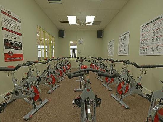 Carriage House Hotel: Fitness Cycling room