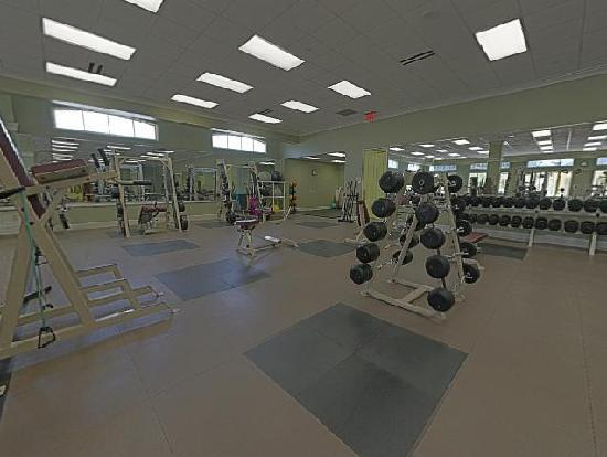 Fitness weight room picture of carriage house hotel