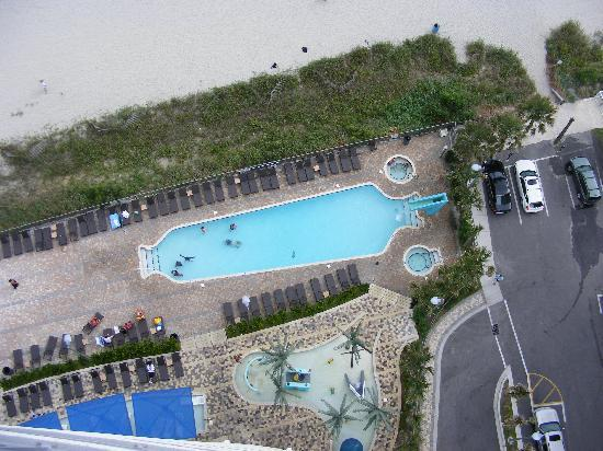 Oceans One Resort: Looking down at part of the pool area