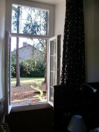 Le Chateau de Viviez: Depuis la fenêtre chambre RdCh