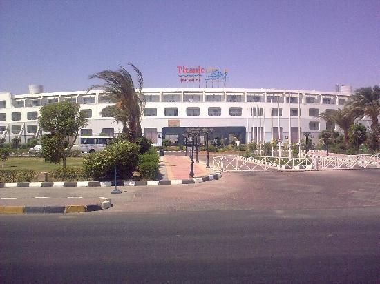 front of holtel picture of titanic resort aqua park hurghada