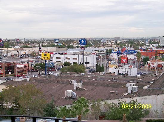 Hotel Lucerna Ciudad Juarez: Rio Mall - Food Court &  Market Inside