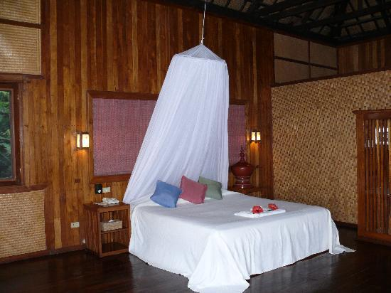Inle Princess Resort : Bed
