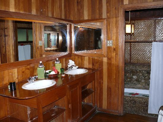 Inle Princess Resort : Bathroom