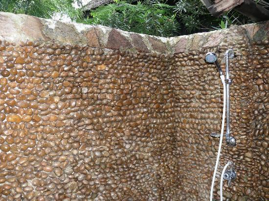 Inle Princess Resort : Shower