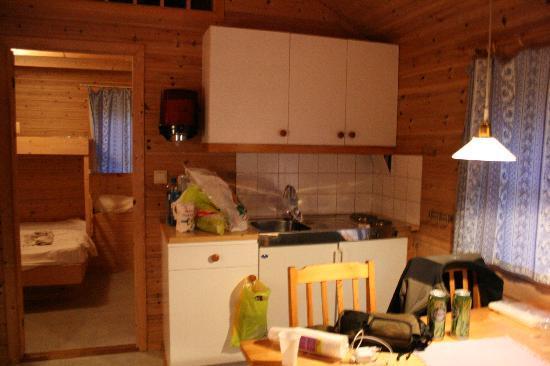 Vinje Camping: Cocina y cuarto