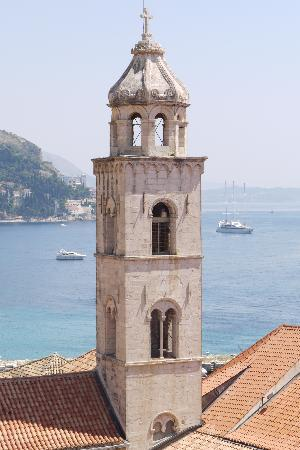 Hotel Bellevue Dubrovnik: views from the wall...