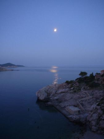 Hotel Bellevue Dubrovnik: moon was so prity at night.....