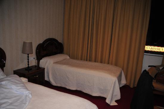 Hotel Smari: bedroom