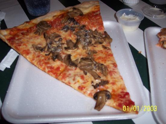 Days Inn - Toms River / Seaside Heights: sawmill pizza