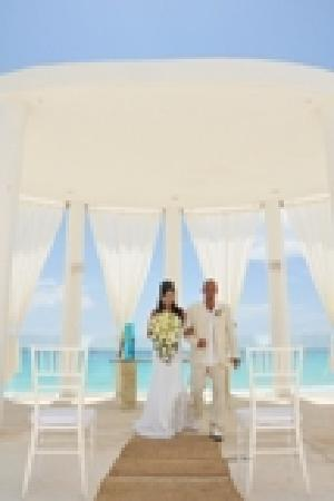 Le Blanc Spa Resort: wedding gazebo